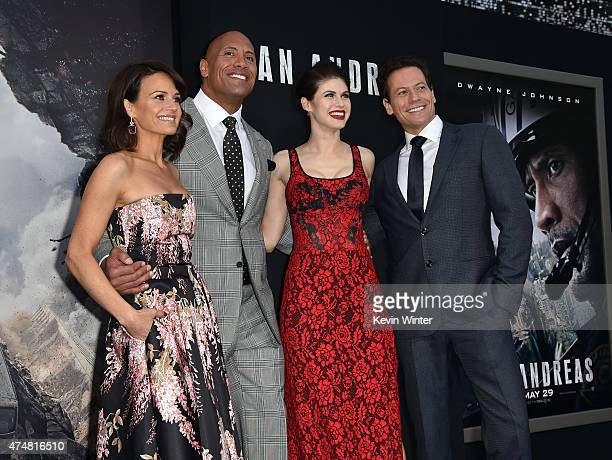 Actors Carla Gugino Dwayne 'The Rock' Johnson Alexandra Daddario and Ioan Gruffudd arrive at the premiere of Warner Bros Pictures' 'San Andreas' at...