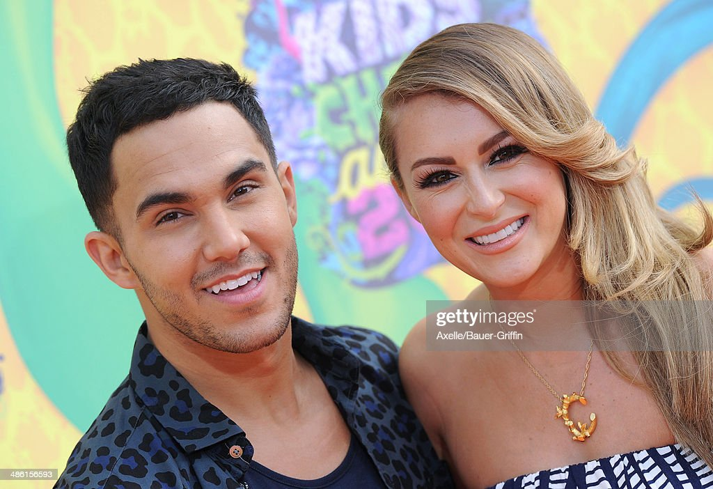 Actors Carlos Pena-Vega (L) and Alexa Vega arrive at Nickelodeon's 27th Annual Kids' Choice Awards at USC Galen Center on March 29, 2014 in Los Angeles, California.
