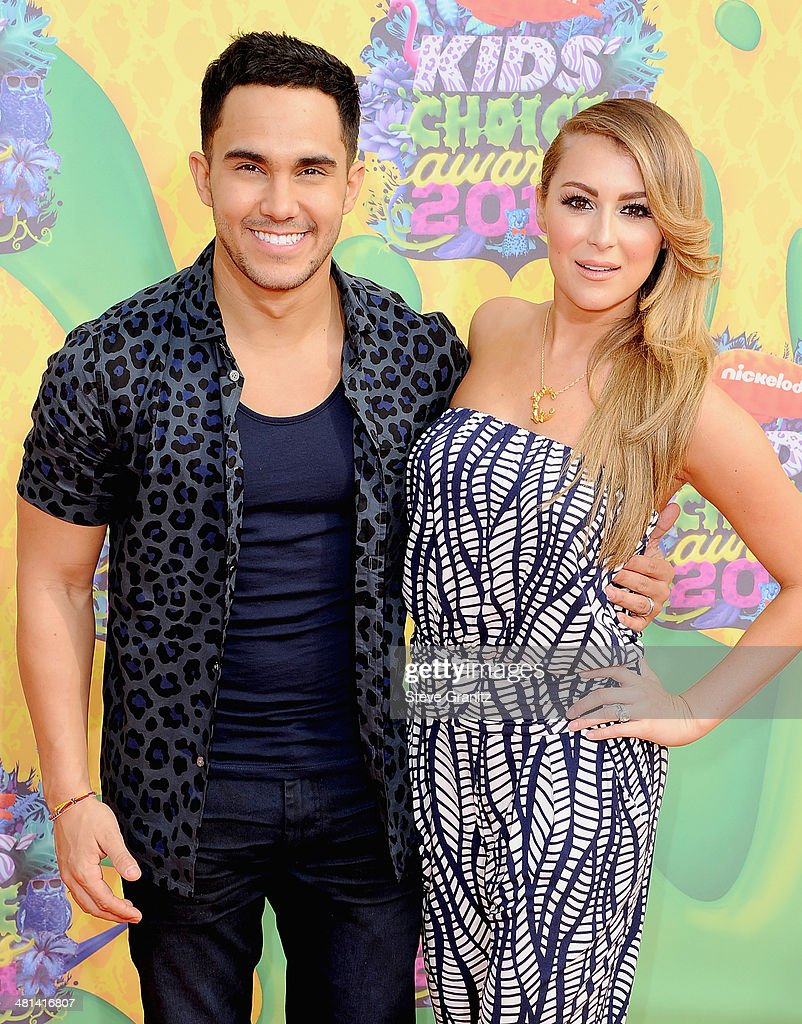 Actors Carlos Pena-Vega (L) and Alexa Vega attend Nickelodeon's 27th Annual Kids' Choice Awards held at USC Galen Center on March 29, 2014 in Los Angeles, California.
