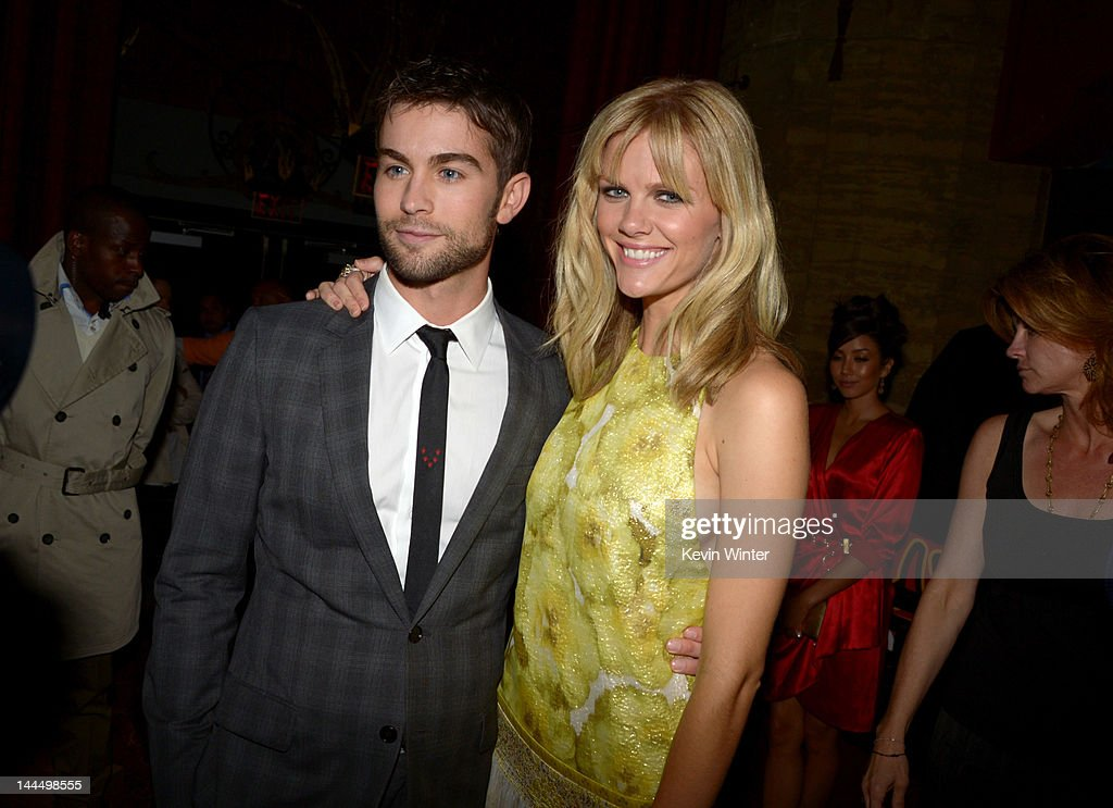 Actors <a gi-track='captionPersonalityLinkClicked' href=/galleries/search?phrase=Chace+Crawford&family=editorial&specificpeople=4238517 ng-click='$event.stopPropagation()'>Chace Crawford</a> and <a gi-track='captionPersonalityLinkClicked' href=/galleries/search?phrase=Brooklyn+Decker&family=editorial&specificpeople=815965 ng-click='$event.stopPropagation()'>Brooklyn Decker</a> arrive at the premiere of Lionsgate's 'What To Expect When You're Expecting' held at Grauman's Chinese Theatre on May 14, 2012 in Hollywood, California.