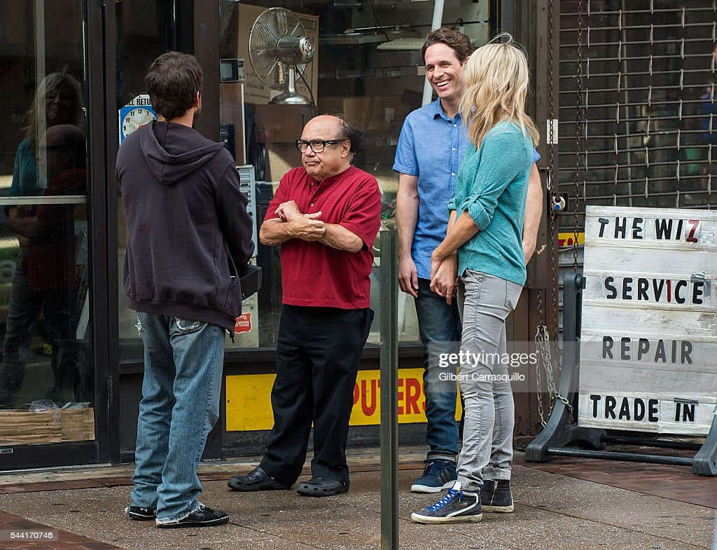 Actors <a gi-track='captionPersonalityLinkClicked' href=/galleries/search?phrase=Charlie+Day&family=editorial&specificpeople=537731 ng-click='$event.stopPropagation()'>Charlie Day</a>, <a gi-track='captionPersonalityLinkClicked' href=/galleries/search?phrase=Danny+DeVito&family=editorial&specificpeople=210718 ng-click='$event.stopPropagation()'>Danny DeVito</a>, <a gi-track='captionPersonalityLinkClicked' href=/galleries/search?phrase=Glenn+Howerton&family=editorial&specificpeople=537733 ng-click='$event.stopPropagation()'>Glenn Howerton</a> and <a gi-track='captionPersonalityLinkClicked' href=/galleries/search?phrase=Kaitlin+Olson&family=editorial&specificpeople=537734 ng-click='$event.stopPropagation()'>Kaitlin Olson</a> are seen filming scenes of season 12 of 'It's Always Sunny In Philadelphia' sitcom on July 1, 2016 in Philadelphia, Pennsylvania.