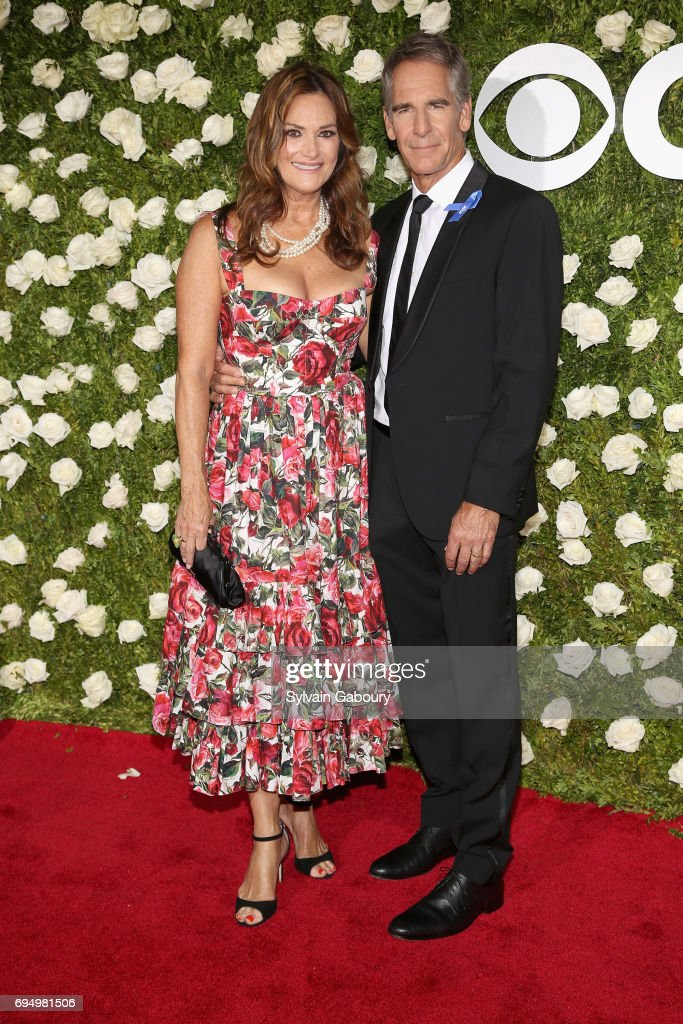 actors-chelsea-fields-and-scott-bakula-attend-the-2017-tony-awards-at-picture-id694981506