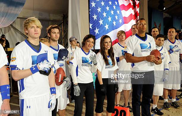 Actors Chord Overstreet Chace Crawford Jessica Szohr Jessica Lowndes MLB player Alex Rodriguez and Jerry Ferrara pose during the national anthem...