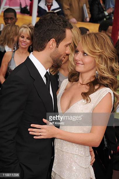 Actors Chris Diamantopoulos and Becki Newton arrive to the 14th Annual Screen Actors Guild Awards at the Shrine Auditorium on January 27 2008 in Los...