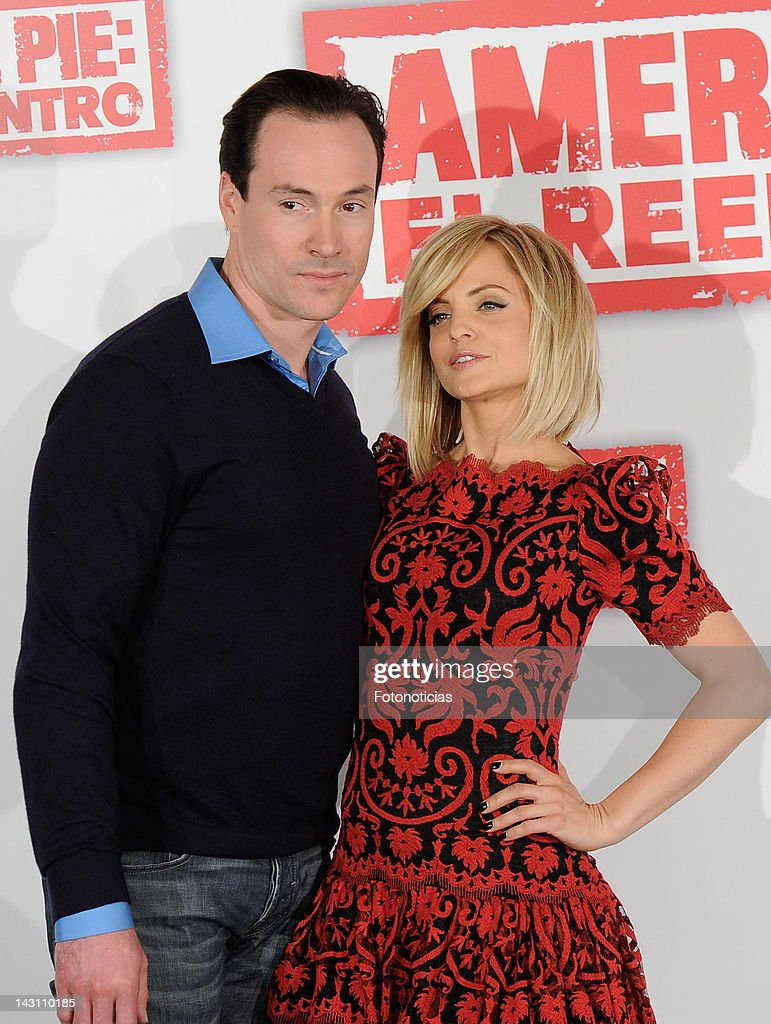Actors Chris Klein and <a gi-track='captionPersonalityLinkClicked' href=/galleries/search?phrase=Mena+Suvari&family=editorial&specificpeople=156413 ng-click='$event.stopPropagation()'>Mena Suvari</a> attend a photocall for 'American Pie: Reunion' (American Pie: El Reencuentro) at the Villamagna Hotel on April 19, 2012 in Madrid, Spain.