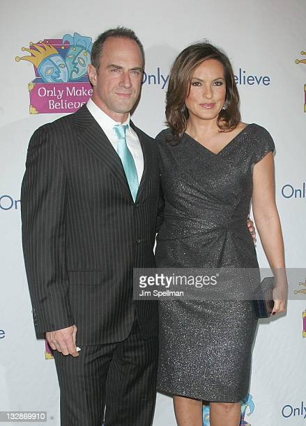 Actors Chris Meloni andf Mariska Hargitay attend the 12th Annual Make Believe on Broadway gala at the Shubert Theatre on November 14 2011 in New York...