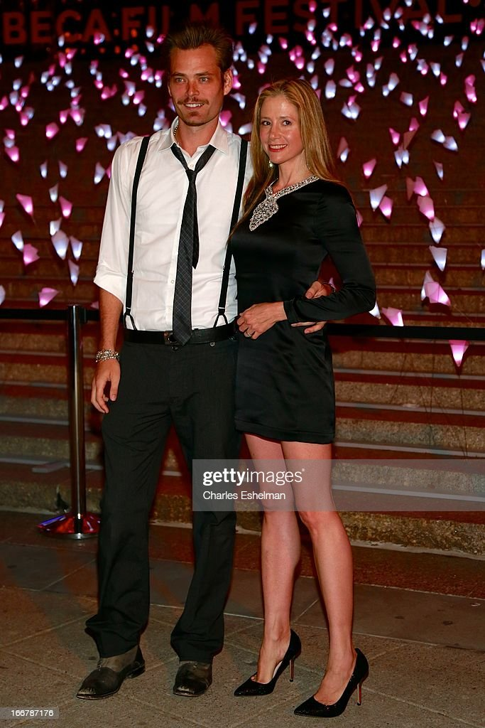 Actors Christopher Backus and <a gi-track='captionPersonalityLinkClicked' href=/galleries/search?phrase=Mira+Sorvino&family=editorial&specificpeople=203143 ng-click='$event.stopPropagation()'>Mira Sorvino</a> attend the Vanity Fair Party during the 2013 Tribeca Film Festival at the State Supreme Courthouse on April 16, 2013 in New York City.