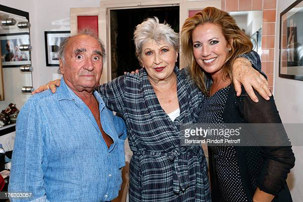 Actors Claude Brasseur Juliette Carre and Natacha Amal after 'Le Roi se meurt' on the last day of the 29th Ramatuelle Festival on August 11 2013 in...