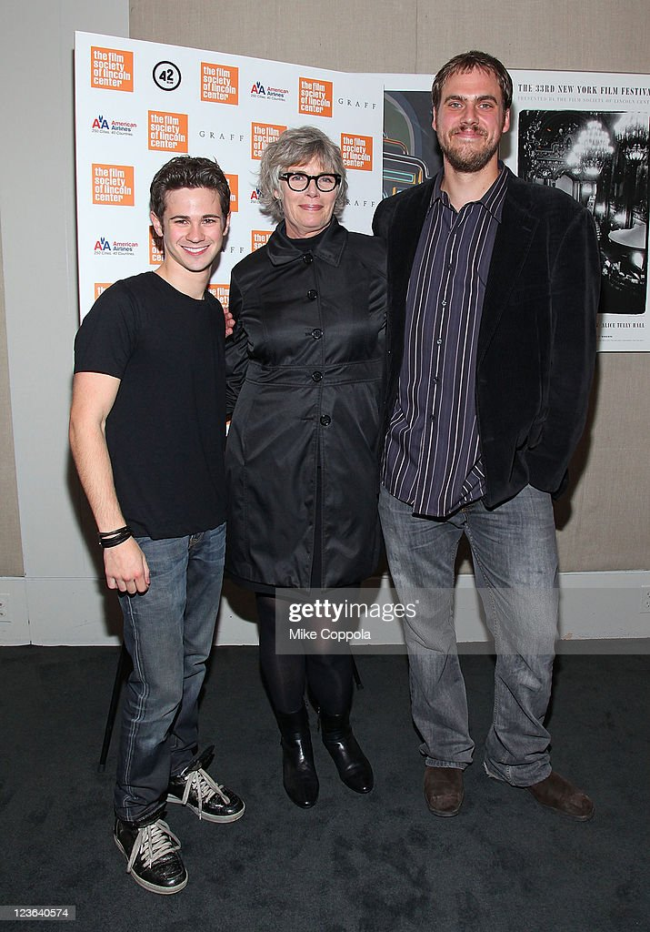 Actors <a gi-track='captionPersonalityLinkClicked' href=/galleries/search?phrase=Connor+Paolo&family=editorial&specificpeople=4452064 ng-click='$event.stopPropagation()'>Connor Paolo</a>, <a gi-track='captionPersonalityLinkClicked' href=/galleries/search?phrase=Kelly+McGillis&family=editorial&specificpeople=673497 ng-click='$event.stopPropagation()'>Kelly McGillis</a>, and director Jim Mickle attend the 'Stake Land' premiere at The Film Society of Lincoln Center on October 27, 2010 in New York City.