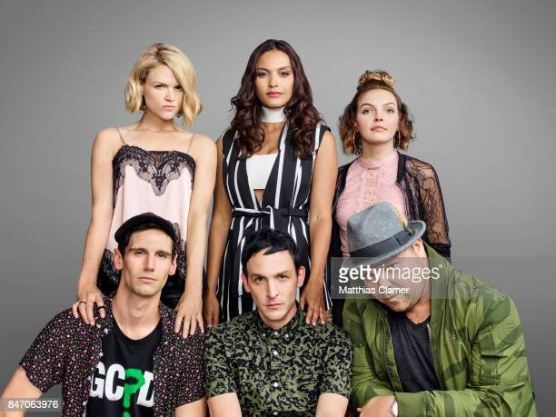 Actors Cory Michael Smith Erin Richards Robin Lord Taylor Jessica Lucas Drew Powell and Camren Bicondova from 'Gotham' are photographed for...