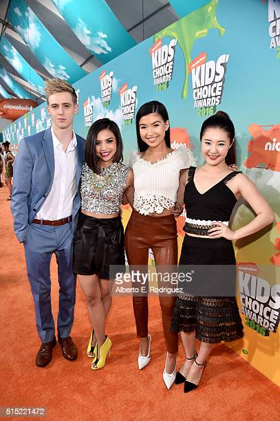Actors Dale Whibley Louriza Tronco Erika Tham and Megan Lee attend Nickelodeon's 2016 Kids' Choice Awards at The Forum on March 12 2016 in Inglewood...