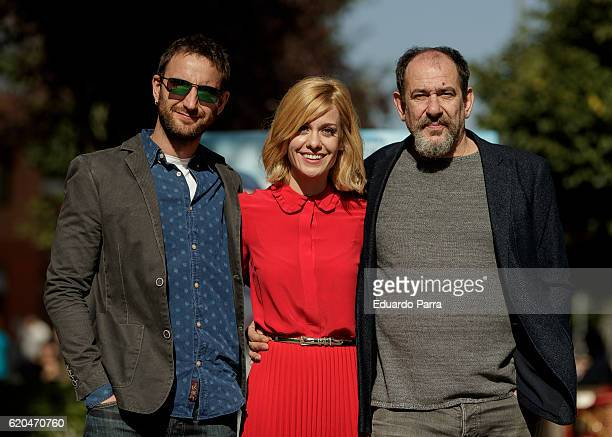 Actors Dani Rovira Karra Elejalde and Alexandra Jimenez attends the '100 metros' photocall at Paz cinema on November 2 2016 in Madrid Spain