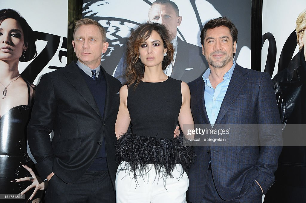Actors Daniel Craig, <a gi-track='captionPersonalityLinkClicked' href=/galleries/search?phrase=Berenice+Marlohe&family=editorial&specificpeople=6966628 ng-click='$event.stopPropagation()'>Berenice Marlohe</a> and <a gi-track='captionPersonalityLinkClicked' href=/galleries/search?phrase=Javier+Bardem&family=editorial&specificpeople=209334 ng-click='$event.stopPropagation()'>Javier Bardem</a> pose during a photocall for the film 'Skyfall' at Hotel George V on October 25, 2012 in Paris, France.
