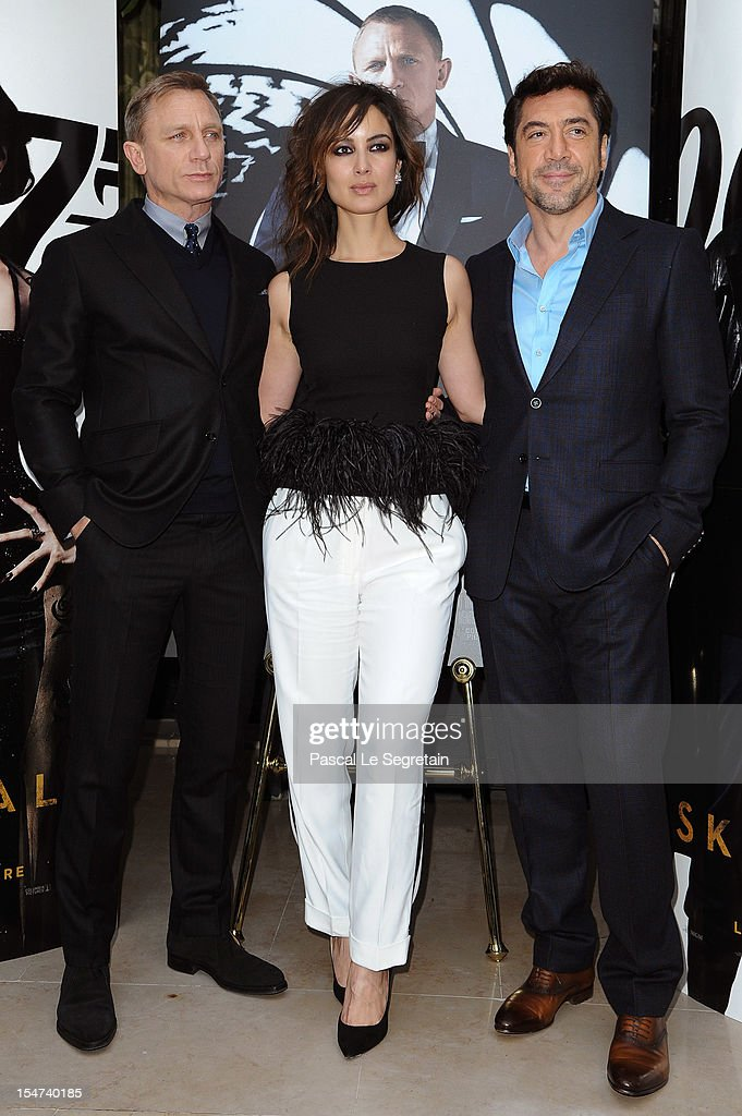 Actors Daniel Craig, <a gi-track='captionPersonalityLinkClicked' href=/galleries/search?phrase=Berenice+Marlohe&family=editorial&specificpeople=6966628 ng-click='$event.stopPropagation()'>Berenice Marlohe</a> and <a gi-track='captionPersonalityLinkClicked' href=/galleries/search?phrase=Javier+Bardem&family=editorial&specificpeople=209334 ng-click='$event.stopPropagation()'>Javier Bardem</a> pose during the photocall for the film 'Skyfall' at Hotel George V on October 25, 2012 in Paris, France.