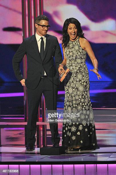 Actors Dave Annable and Lisa Edelstein speak onstage during the 41st Annual People's Choice Awards at Nokia Theatre LA Live on January 7 2015 in Los...