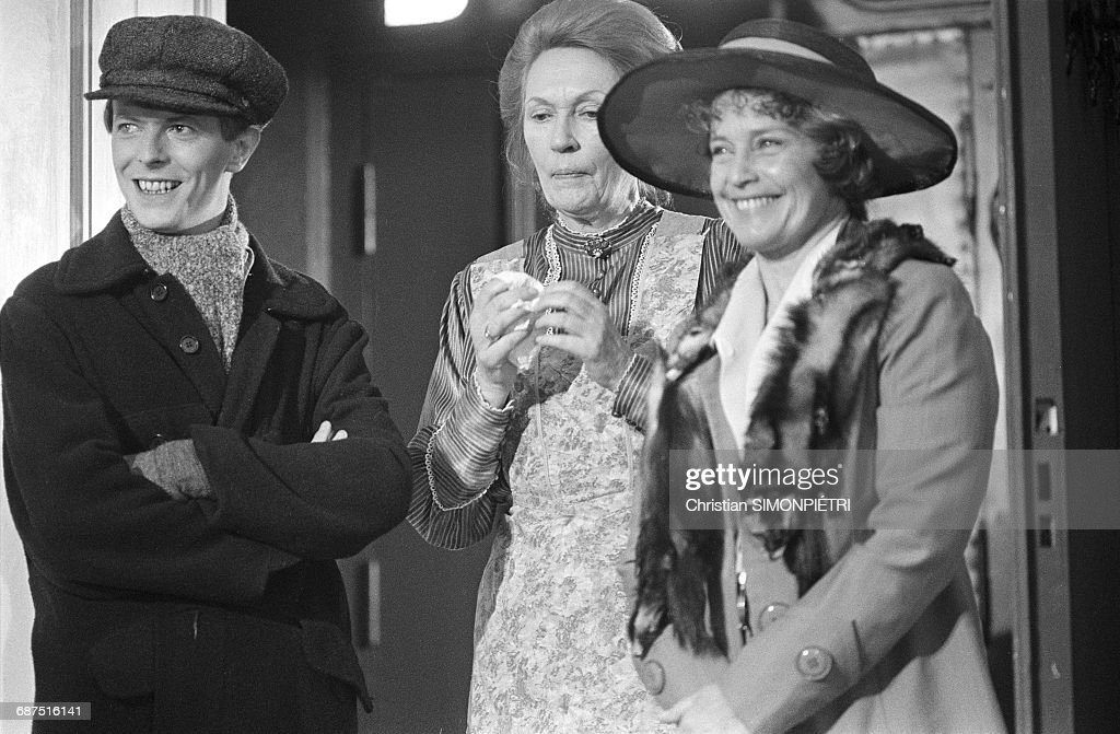 Actors David Bowie (left) and Maria Schell (right) on the set of David Hemmings' film 'Just a Gigolo', 1st February 1978. (Photo by Simonpietri/Sygma Premium via Getty Images)/