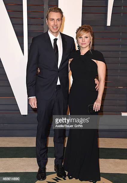 Actors Dax Shepard and Kristen Bell arrive at the 2015 Vanity Fair Oscar Party Hosted By Graydon Carter at Wallis Annenberg Center for the Performing...