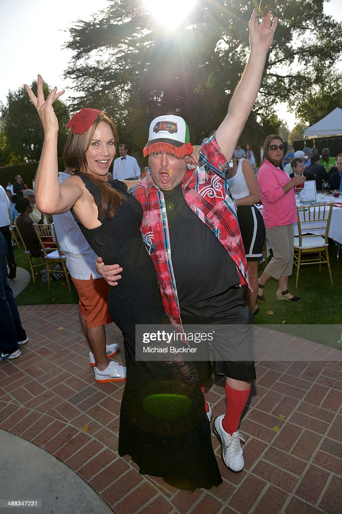 Actors Debbe Dunning (L) and <a gi-track='captionPersonalityLinkClicked' href=/galleries/search?phrase=Gary+Valentine&family=editorial&specificpeople=810468 ng-click='$event.stopPropagation()'>Gary Valentine</a> attend the 7th annual George Lopez Celebrity Golf Classic presented by Sabra Salsa at Lakeside Golf Club on May 5, 2014 in Burbank, California.