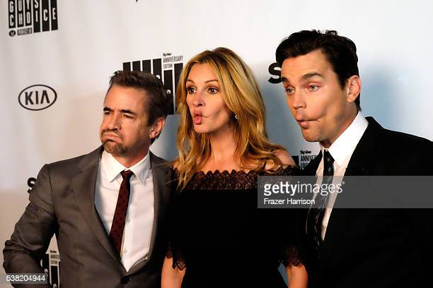 Actors Dermot Mulroney Julia Roberts and Matt Bomer attend Spike TV's 10th Annual Guys Choice Awards at Sony Pictures Studios on June 4 2016 in...