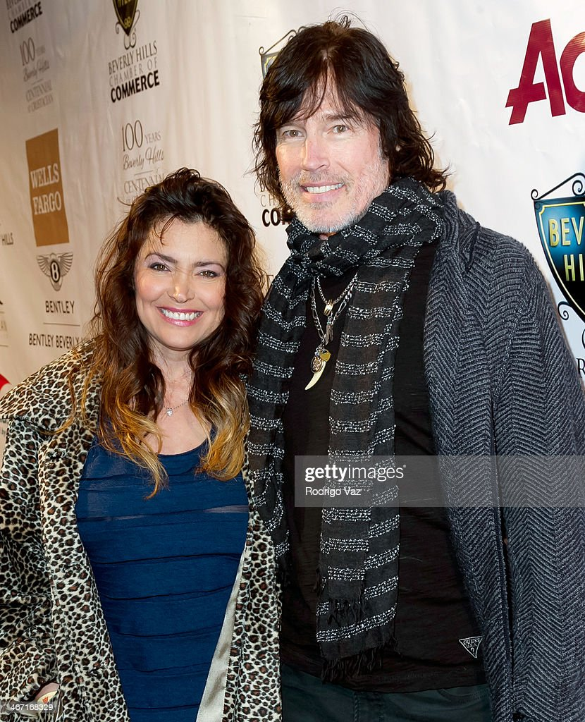 Actors Devin DeVasquez (L) and Ron Moss attend the Beverly Hills Chamber of Commerce hosting