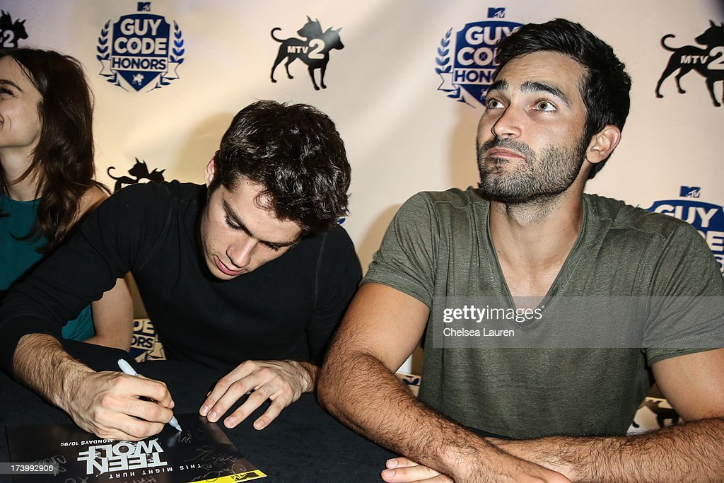 Actors <a gi-track='captionPersonalityLinkClicked' href=/galleries/search?phrase=Dylan+O%27Brien&family=editorial&specificpeople=7115315 ng-click='$event.stopPropagation()'>Dylan O'Brien</a> (L) and <a gi-track='captionPersonalityLinkClicked' href=/galleries/search?phrase=Tyler+Hoechlin&family=editorial&specificpeople=228774 ng-click='$event.stopPropagation()'>Tyler Hoechlin</a> attend MTV2 Party in The Park at Comic-con International 2013 at PETCO Park on July 18, 2013 in San Diego, California.