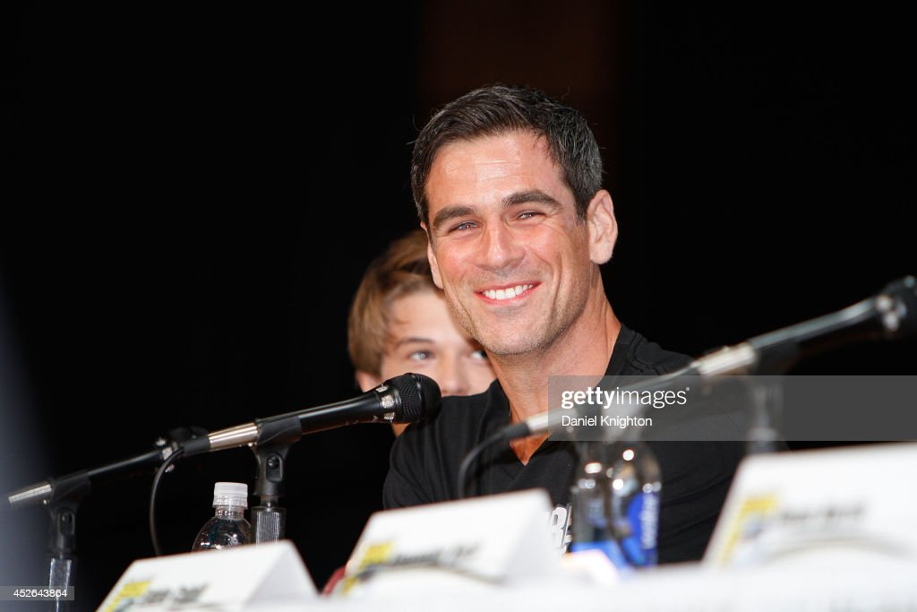 Actors <a gi-track='captionPersonalityLinkClicked' href=/galleries/search?phrase=Eddie+Cahill&family=editorial&specificpeople=226945 ng-click='$event.stopPropagation()'>Eddie Cahill</a> (R) and Colin Ford attend the CBS 'Under The Dome' panel & exclusive sneak preview during Comic-Con International at San Diego Convetion Center on July 24, 2014 in San Diego, California.