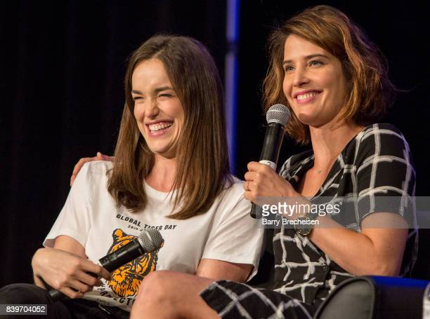 Actors Elizabeth Henstridge and Cobie Smulders during the Wizard World Chicago ComicCon at Donald E Stephens Convention Center on August 26 2017 in...