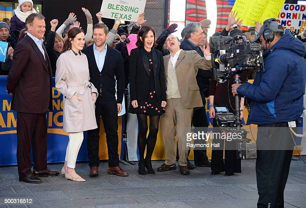 Actors Elizabeth McGovern Michelle Dockery Jim Carte Hugh Bonneville Kevin Doyle Phyllis Logan from Downton Abbey are seen on 'Good Morning...