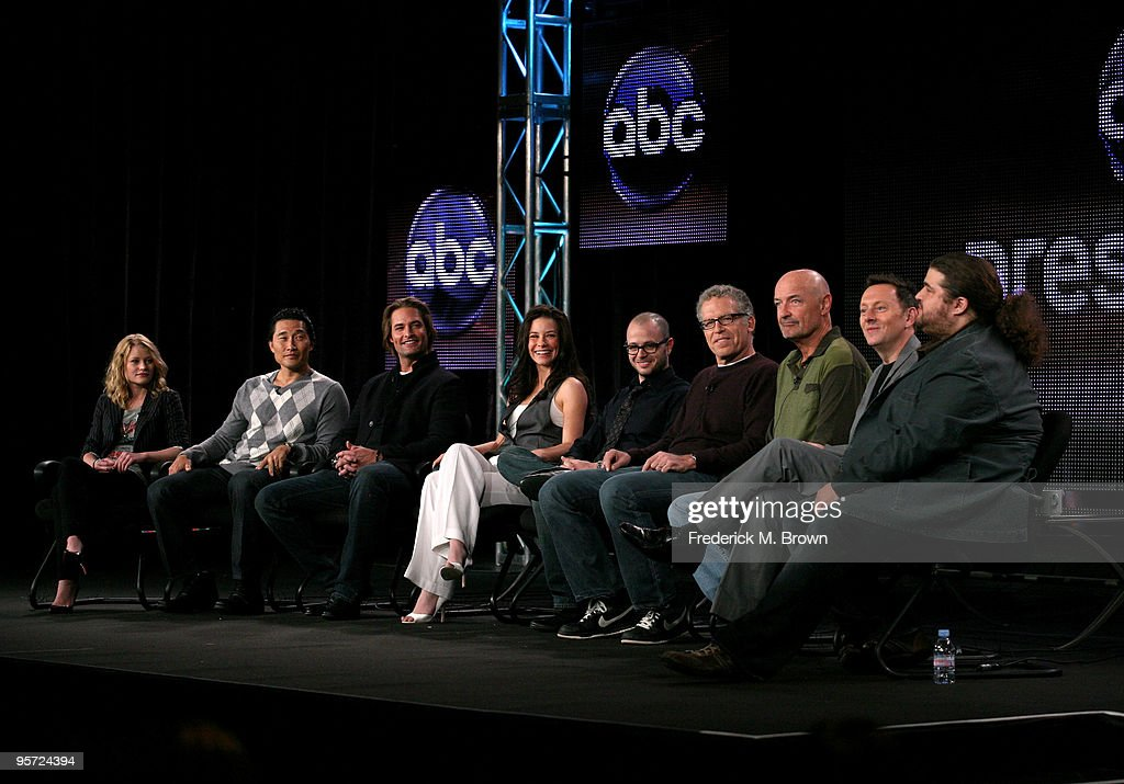 Actors Emilie de Ravin Daniel Dae Kim Josh Holloway Evangeline Lilly cocreator/executive proudcer Damon Lindelof executive producer Carlton Cuse...