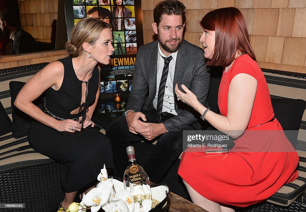 Actors <a gi-track='captionPersonalityLinkClicked' href=/galleries/search?phrase=Emily+Blunt&family=editorial&specificpeople=213480 ng-click='$event.stopPropagation()'>Emily Blunt</a>, <a gi-track='captionPersonalityLinkClicked' href=/galleries/search?phrase=John+Krasinski&family=editorial&specificpeople=646194 ng-click='$event.stopPropagation()'>John Krasinski</a> and <a gi-track='captionPersonalityLinkClicked' href=/galleries/search?phrase=Kate+Flannery&family=editorial&specificpeople=580714 ng-click='$event.stopPropagation()'>Kate Flannery</a> attend the after party for the premiere of Cinedigm's 'Arthur Newman' at on April 18, 2013 in Hollywood, California.