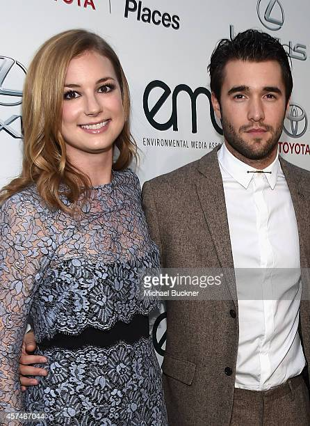 Actors Emily VanCamp and Joshua Bowman attend the 24th Annual Environmental Media Awards presented by Toyota and Lexus at Warner Bros Studios on...
