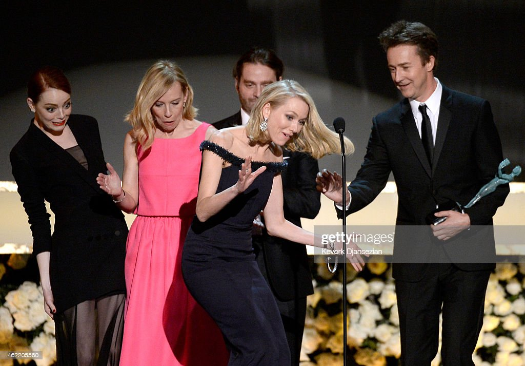 Actors Emma Stone Amy Ryan Zach Galifianakis Naomi Watts and Edward Norton accept the Outstanding Performance by a Cast in a Motion Picture award...