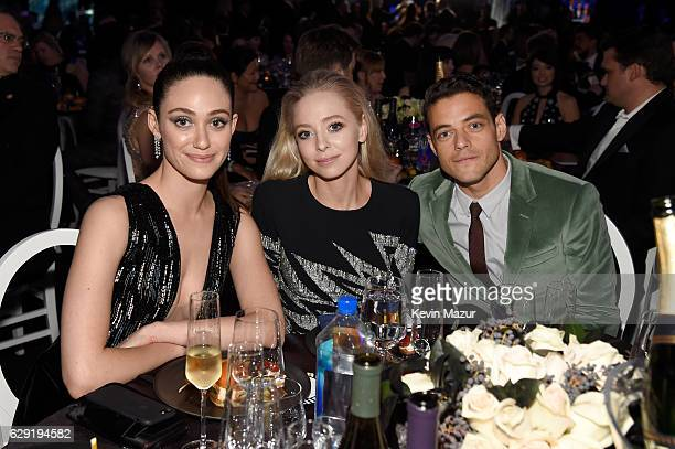 Actors Emmy Rossum Portia Doubleday and Rami Malek attend The 22nd Annual Critics' Choice Awards at Barker Hangar on December 11 2016 in Santa Monica...
