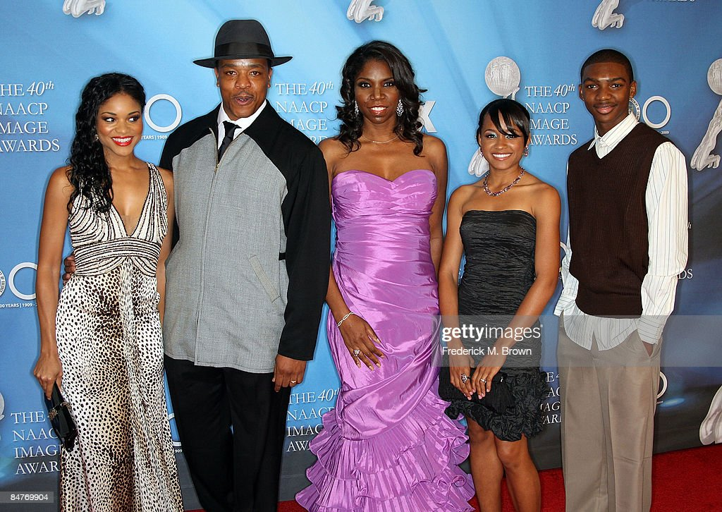 Actors Erica Hubbard, Russell Hornsby, Nicki Micheaux, Erica Hubbard and Mishon Ratliff arrive at the 40th NAACP Image Awards held at the Shrine Auditorium on February 12, 2009 in Los Angeles, California.