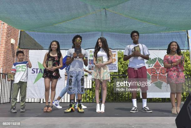 Actors Evan Kishiyama Nikki Castillo Jaheem Toombs Lilimar Prophet Bolden and Laya Deleon Hayes receive award onstage at 17th Annual Children's Earth...