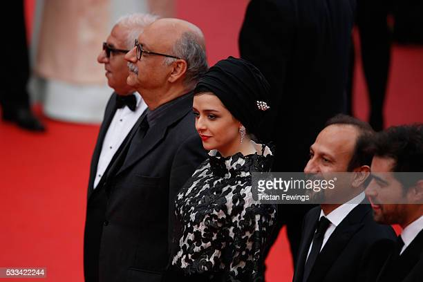 Actors Farid Sajjadihosseini Babak Karimi Taraneh Alidoosti and director Ashgar Farhadi attend the closing ceremony of the 69th annual Cannes Film...