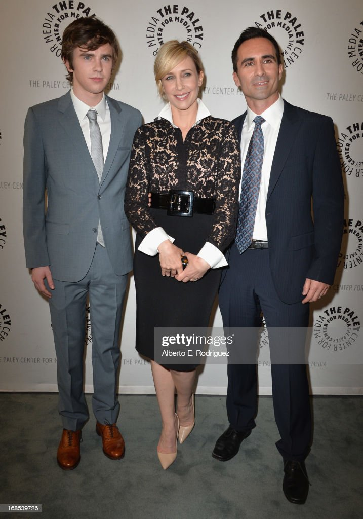 Actors <a gi-track='captionPersonalityLinkClicked' href=/galleries/search?phrase=Freddie+Highmore&family=editorial&specificpeople=210834 ng-click='$event.stopPropagation()'>Freddie Highmore</a>, <a gi-track='captionPersonalityLinkClicked' href=/galleries/search?phrase=Vera+Farmiga&family=editorial&specificpeople=227012 ng-click='$event.stopPropagation()'>Vera Farmiga</a> and <a gi-track='captionPersonalityLinkClicked' href=/galleries/search?phrase=Nestor+Carbonell&family=editorial&specificpeople=683517 ng-click='$event.stopPropagation()'>Nestor Carbonell</a> arrivie to The Paley Center for Media Presents 'Bates Motel: Reimagining A Cinema Icon' at The Paley Center for Media on May 10, 2013 in Beverly Hills, California.