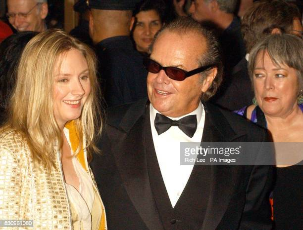 Actors from left to right Hope Davis Jack Nicholson and Kathy Bates arrive for the film premiere of 'About Schmidt' during the opening of the 40th...