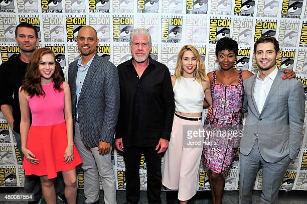 Actors Garret Dillahunt Elizabeth McLaughlin creator Ben Watkins actors Ron Perlman Alona Tal Emayatzy E Corinealdi and Julian Morris attend Amazon...