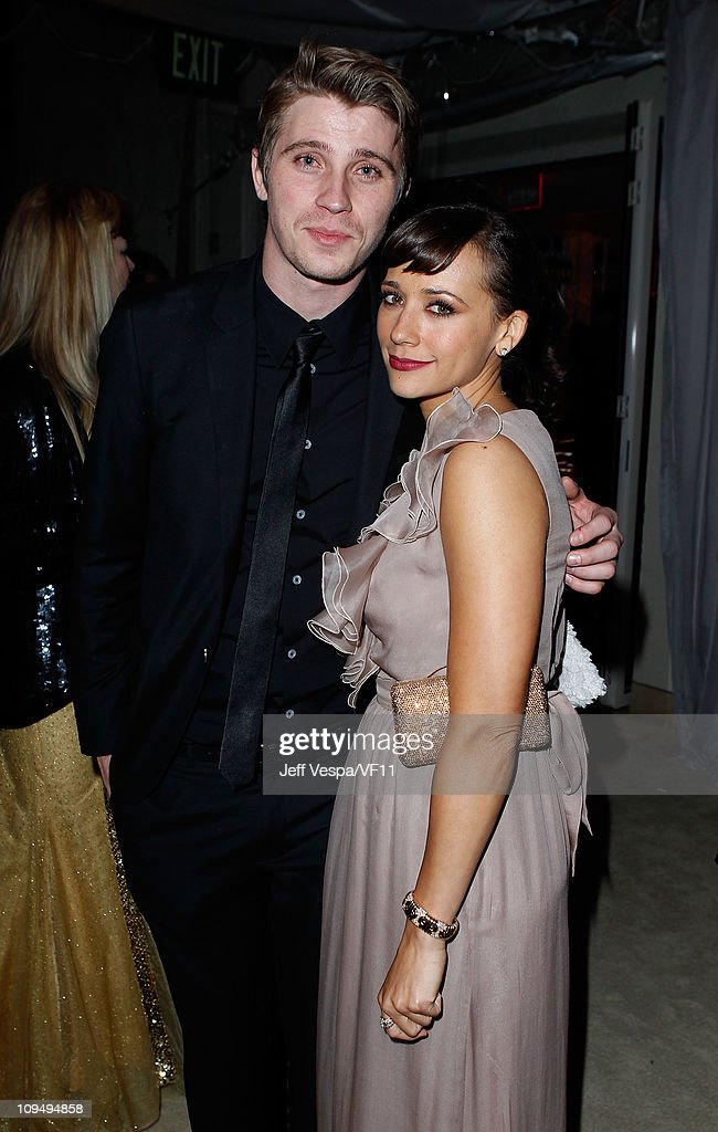 Actors <a gi-track='captionPersonalityLinkClicked' href=/galleries/search?phrase=Garrett+Hedlund&family=editorial&specificpeople=2290407 ng-click='$event.stopPropagation()'>Garrett Hedlund</a> and <a gi-track='captionPersonalityLinkClicked' href=/galleries/search?phrase=Rashida+Jones&family=editorial&specificpeople=2133481 ng-click='$event.stopPropagation()'>Rashida Jones</a> attend the 2011 Vanity Fair Oscar Party Hosted by Graydon Carter at the Sunset Tower Hotel on February 27, 2011 in West Hollywood, California.