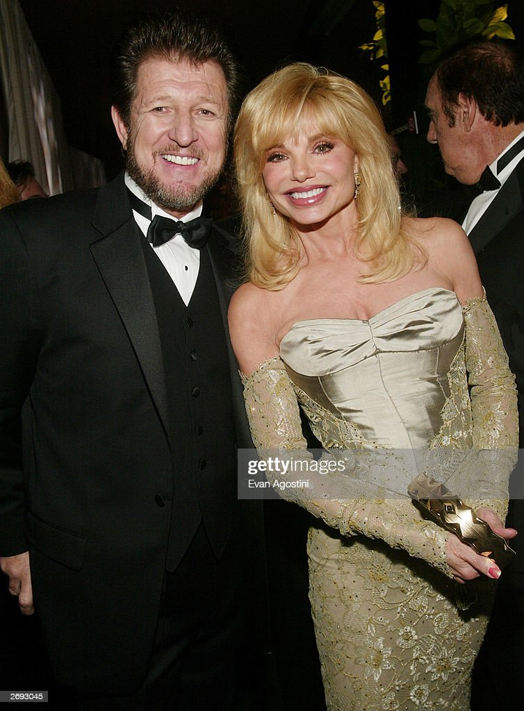 Actors Gary Sandy and Loni Anderson attend the cocktail party for the 'CBS at 75' television gala at the Hammerstein Ballroom November 2, 2003 in New York City.