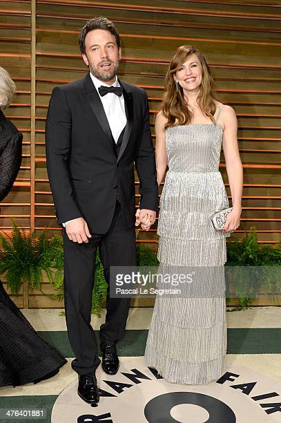 Actors Glenn Close Ben Affleck and Jennifer Garner attend the 2014 Vanity Fair Oscar Party hosted by Graydon Carter on March 2 2014 in West Hollywood...