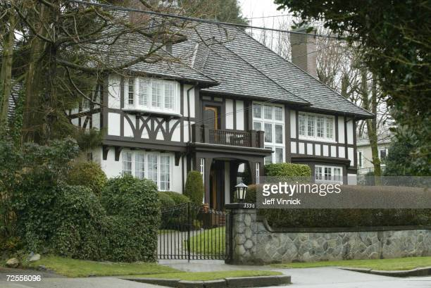 Actors Goldie Hawn and Kurt Russell have bought a $3million Tudor mansion which sold for $2000 or $1000 US dollars March 10 2002 in Vancouver Canada...