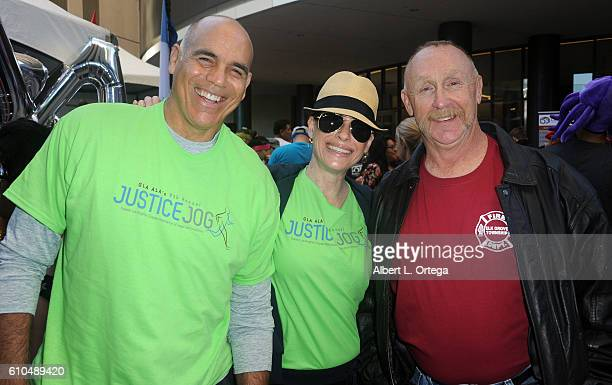 Actors Greg Collins Michelle Bernard and Al Burke participate in the 2016 Justice Jog 5K to benefit Casa LA on September 25 2016 in Los Angeles...
