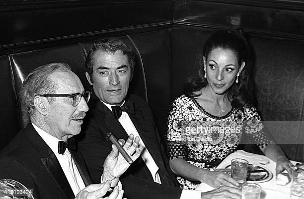 Actors Groucho Marx Gregory Peck and wife Veronique Peck attend the party for 22nd Annual Tony Awards on April 21 1968 at Sardi's Restaurant in New...