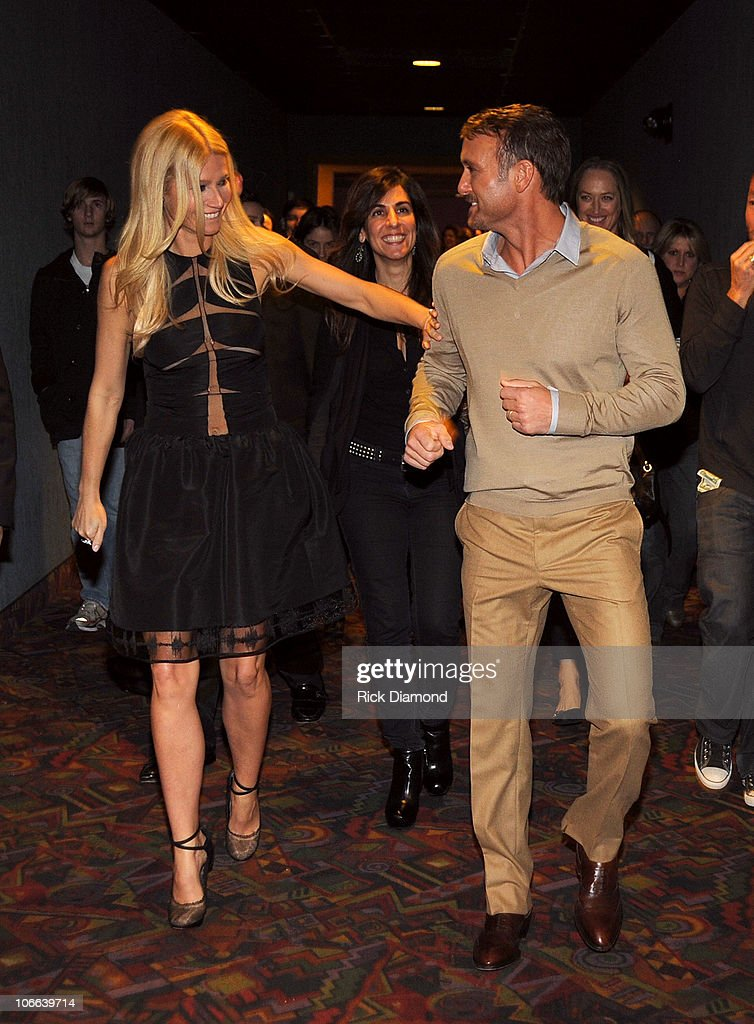 Actors <a gi-track='captionPersonalityLinkClicked' href=/galleries/search?phrase=Gwyneth+Paltrow&family=editorial&specificpeople=171431 ng-click='$event.stopPropagation()'>Gwyneth Paltrow</a> and <a gi-track='captionPersonalityLinkClicked' href=/galleries/search?phrase=Tim+McGraw&family=editorial&specificpeople=202845 ng-click='$event.stopPropagation()'>Tim McGraw</a> attend the 'Country Strong' Premiere at Regal Green Hills on November 8, 2010 in Nashville, Tennessee.