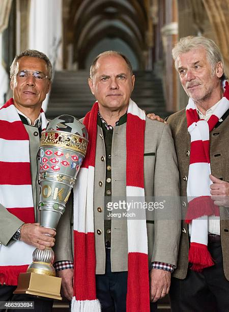 Actors Hannes Jaenicke Uwe Ochsenknecht and Wolfgang Fierek pose during a photo call for the film 'Udo Honig Kein schlechter Mensch' on March 15 2015...