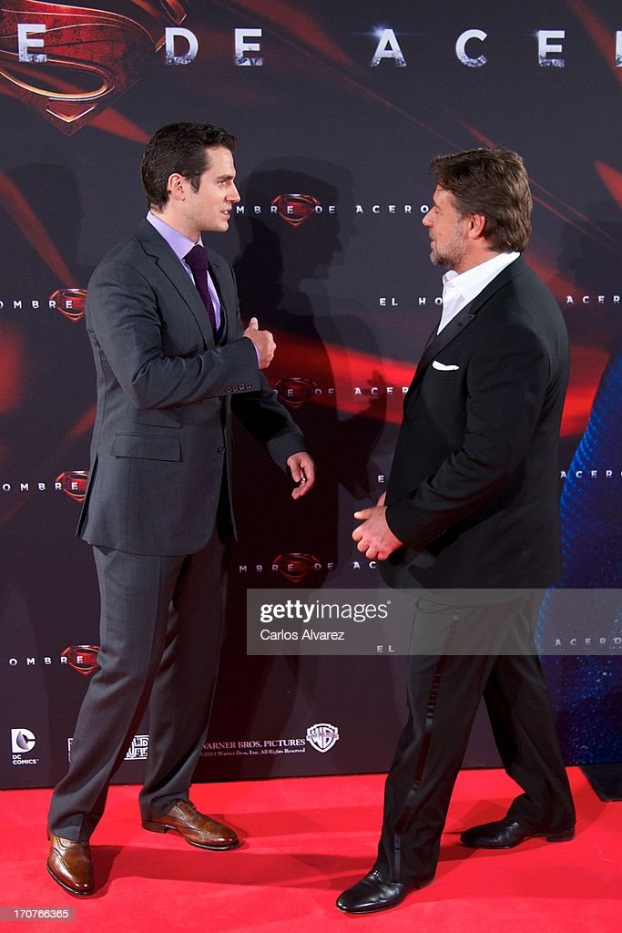 Actors Herny Cavill (L) and Rusell Crowe (R) attend the 'Man of Steel' (El Hombre de Acero) premiere at the Capitol cinema on June 17, 2013 in Madrid, Spain.