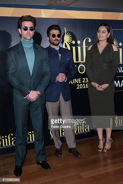 Actors Hrithik Roshan Anil Kapoor and Sonakshi Sinha attend the 17th International Indian Film Academy awards press conference at the Retiro Park on...