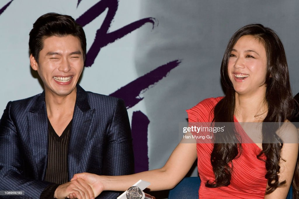 Actors Hyun Bin and Tang Wei during a 'Late Autumn' press conference at Wangaimni CGV on February 10 2011 in Seoul South KoreaThe film will open on...